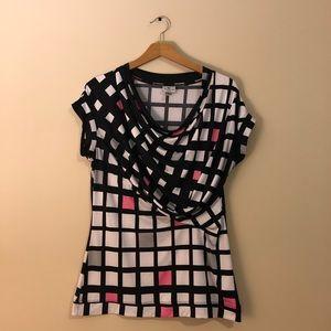 Geometrically designed blouse.